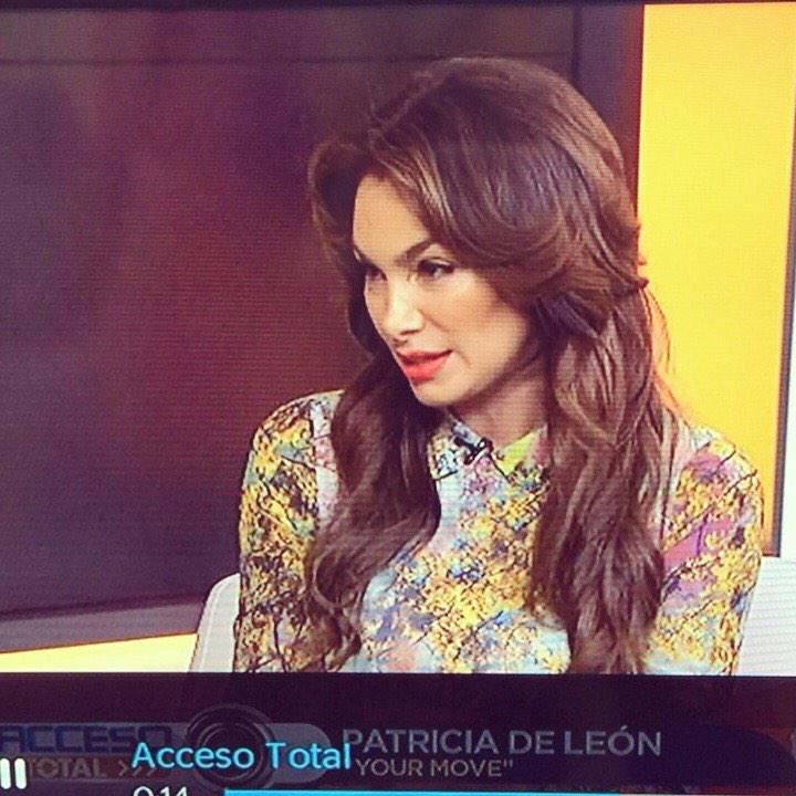 @melarrocha @PATRICIADELEONB Panameña actriz cine en #Hollywood promueve pelicula y lipstick @aniisebypatriciadeleon http://t.co/Ij20cDJu7a