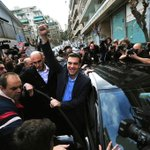 Enhorabuena a todo el pueblo griego porque han recuperado su Democracia! Ahora le toca a España #Grecia2015 @iunida http://t.co/Ij5E6etUIS