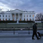 Quadcopter drone crashed inside White House complex at approx. 3:08am, Secret Service says http://t.co/TynOia3sOJ http://t.co/5eWbpIeNYx