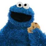 Him guarding the cookie cake #RuinAWeddingIn5Words @midnight http://t.co/qHdsL50Ej8