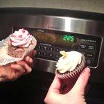 2:30am during #blizzard2015 = cupcake oclock http://t.co/GrdRdKa1VD