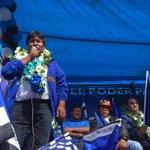 Víctor Hugo Vásquez candidato a la Gobernación de Oruro hace uso de la palabra en gran concentración http://t.co/szBtUDA20d