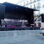 Soplan vientos de cambio mientras montamos el escenario. Nos vemos a las 12.00 en Cibeles! #EsAhora31E http://t.co/smwHCSgvOW