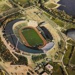 Aus gegebenen Anlass ein paar schöne alte Aufnahmen vom Niedersachsenstadion. #NiemalsAllein #h96 http://t.co/aratoxLCps