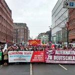 Die Demo läuft - und wir sind viele! #gegenrassismusbremen #noAfD #nopegida http://t.co/8aCu0syTTC