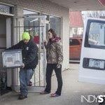 Horrible conditions and 30 dead animals get an Indiana pet shop shut down. http://t.co/NzipKvneND http://t.co/3AsxyscNPE