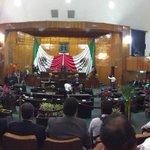 El gobernador @gracoramirez en tribuna del congreso de #Morelos #2informeMorelos http://t.co/uq08hYd9DF