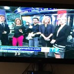 RT @NancyLilian: I just had the best good morning with @juanes singing in @GMA ¡Que viva Colombia!