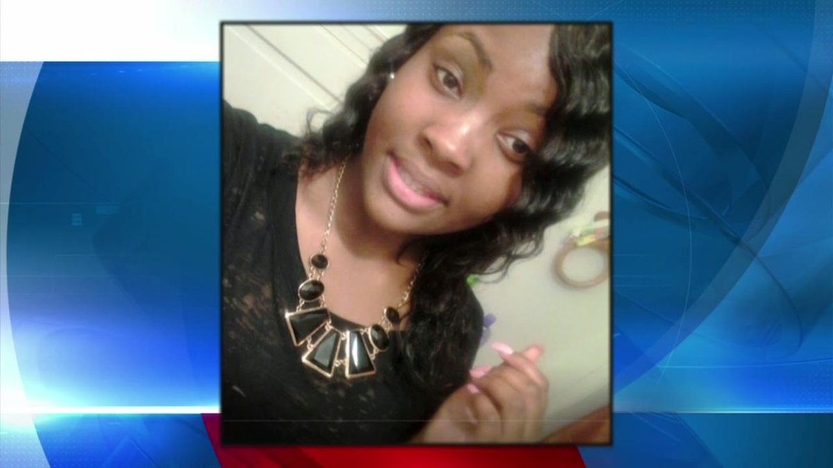 PLEASE RT: Aminah Bell-Thomas, 15, hasn't been seen since Friday. http://t.co/6cSSUVSIBR http://t.co/leW6jNkGVg