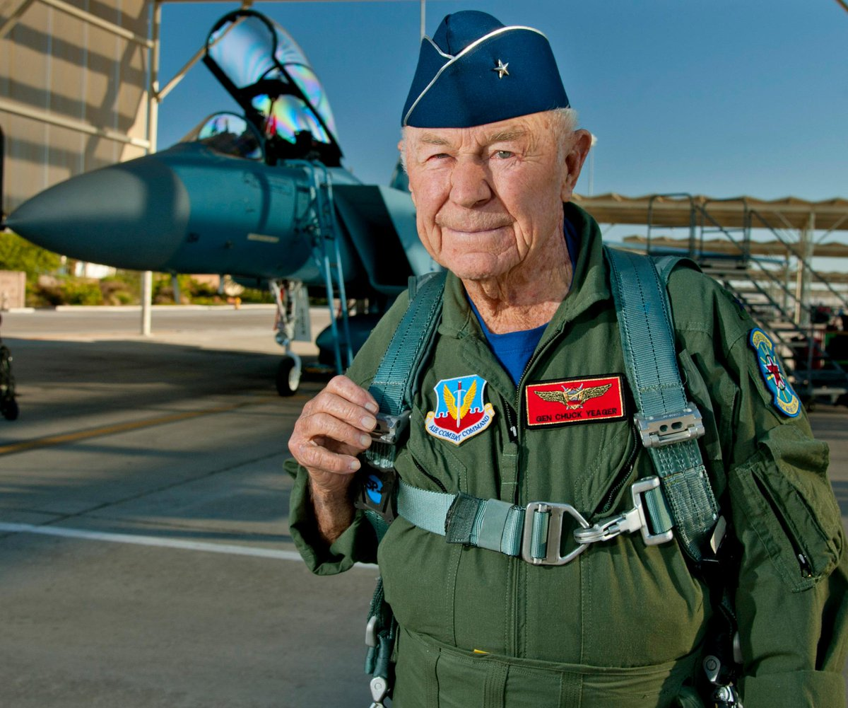 "#HappyBday to Chuck Yeager! The ""fastest man alive"" turns 92 today. #AirForce http://t.co/xysBXJVlcu"