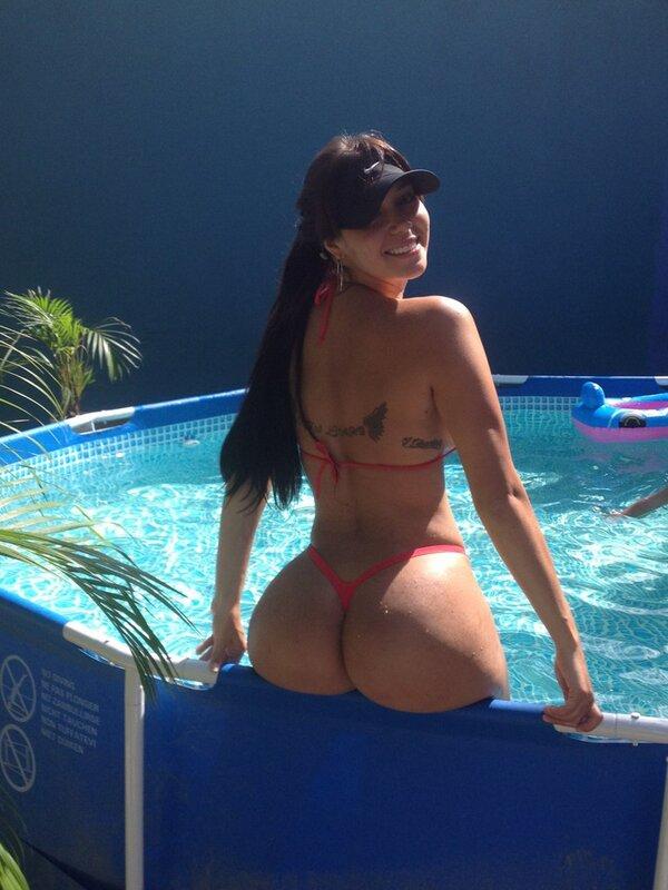 carolina petkoff (@FansCaroPetkoff): @LaBomba_Televen @lamejorcola @OscarDLeon @rcnlaradio @BellasVzla @VecinabellaFans @Sexy_colombia @ http://t.co/63I8kZXm