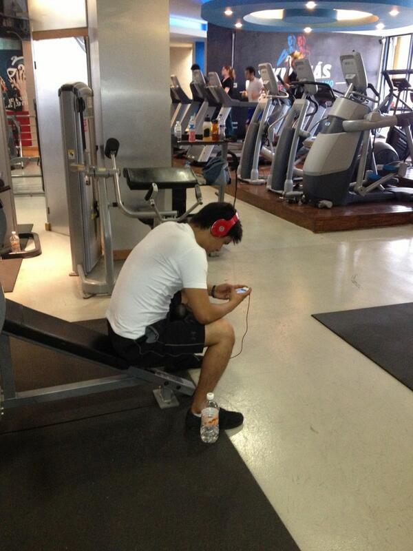 Drago/V4Ballet (@joseluisdrago1): Qe no las engañe @mcaeseoficial d q viene al gym y asi cmo podran ver solo viene a estar n el cel #CuerpoDeSalchicha http://t.co/3j0tD1u7cZ