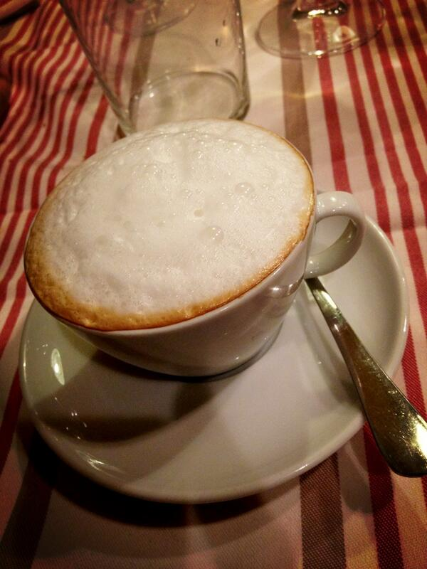 Vamos con un rico café..... ;) http://t.co/Zlo9N4PKGD