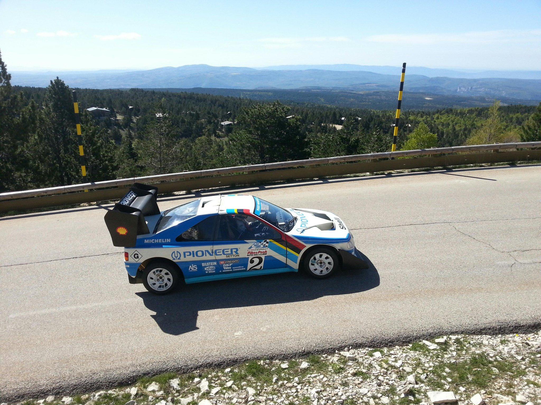 RT @legranddanton: #Peugeot #405T16 #Ventoux #Loeb #PikesPeak http://t.co/C9yQLDaiPF
