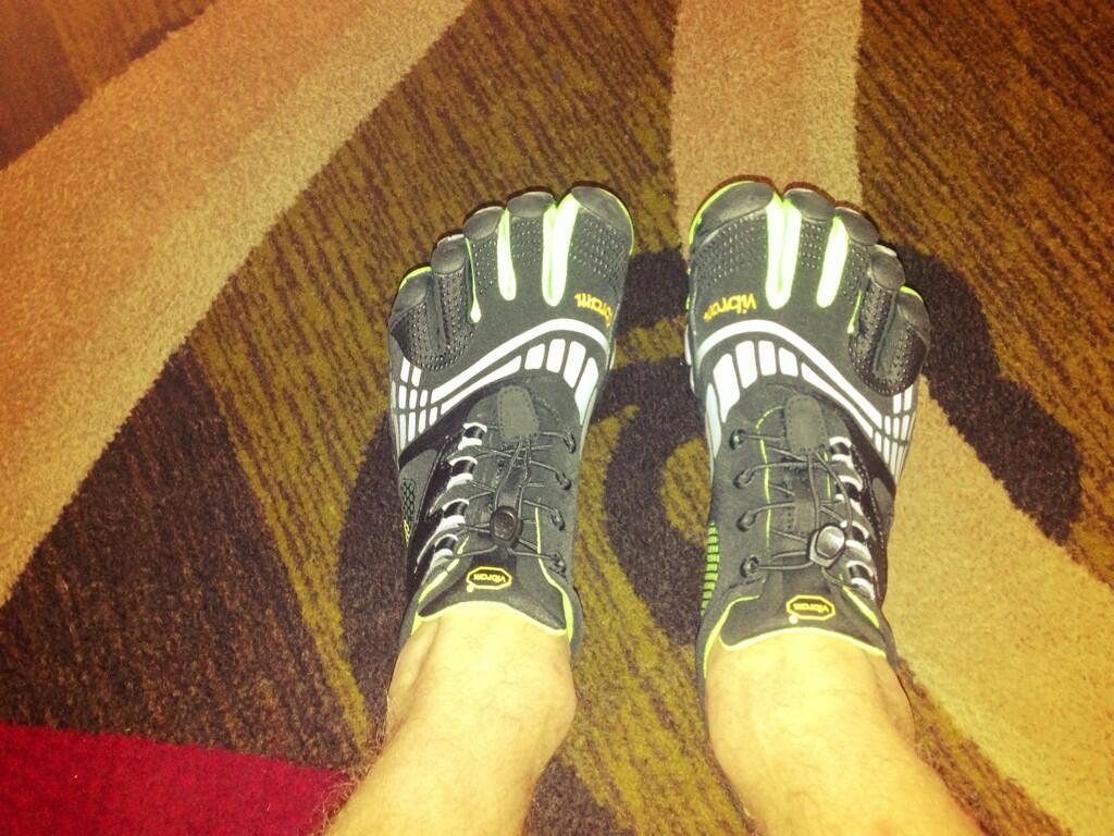 Gym time @Vibram5Fingers http://t.co/2lL2OnYUbm