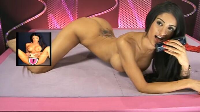 hotty getting her tit sucked