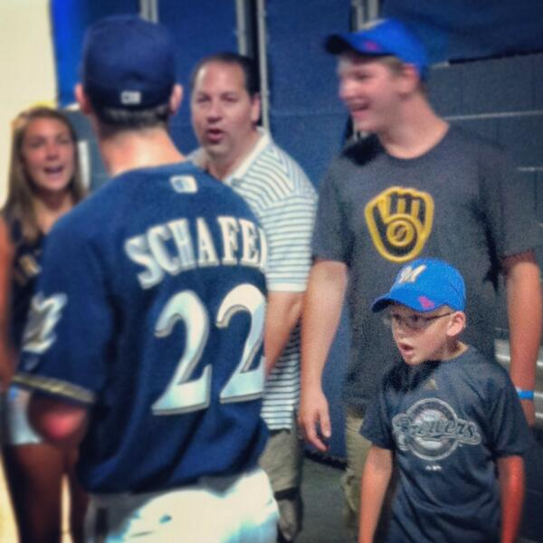 Logan Schafer meets the family who caught his first home run ball. The look is priceless. http://t.co/DTBezlDtDU