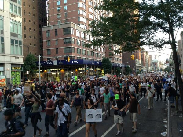 Trayvon Martin march is now moving up 6th Avenue passing W 26th street in New York http://t.co/QdradUThya