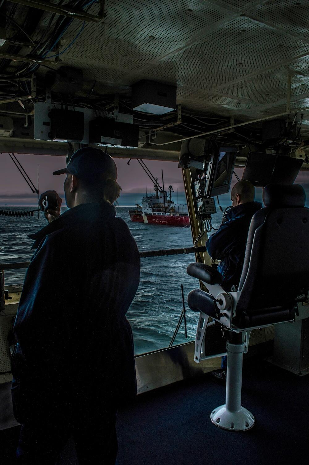 RT @USCGAlaska: CGC SPAR approaches the  @CCG_GCC ship Sir Wilfred Laurier during a towing exercise July 17 near Teller, AK. #AS2013 http://t.co/9yxEpMubun