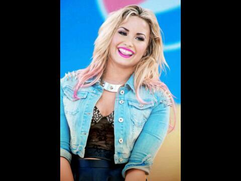 Demi Lovato http://t.co/YZX02WNwoM
