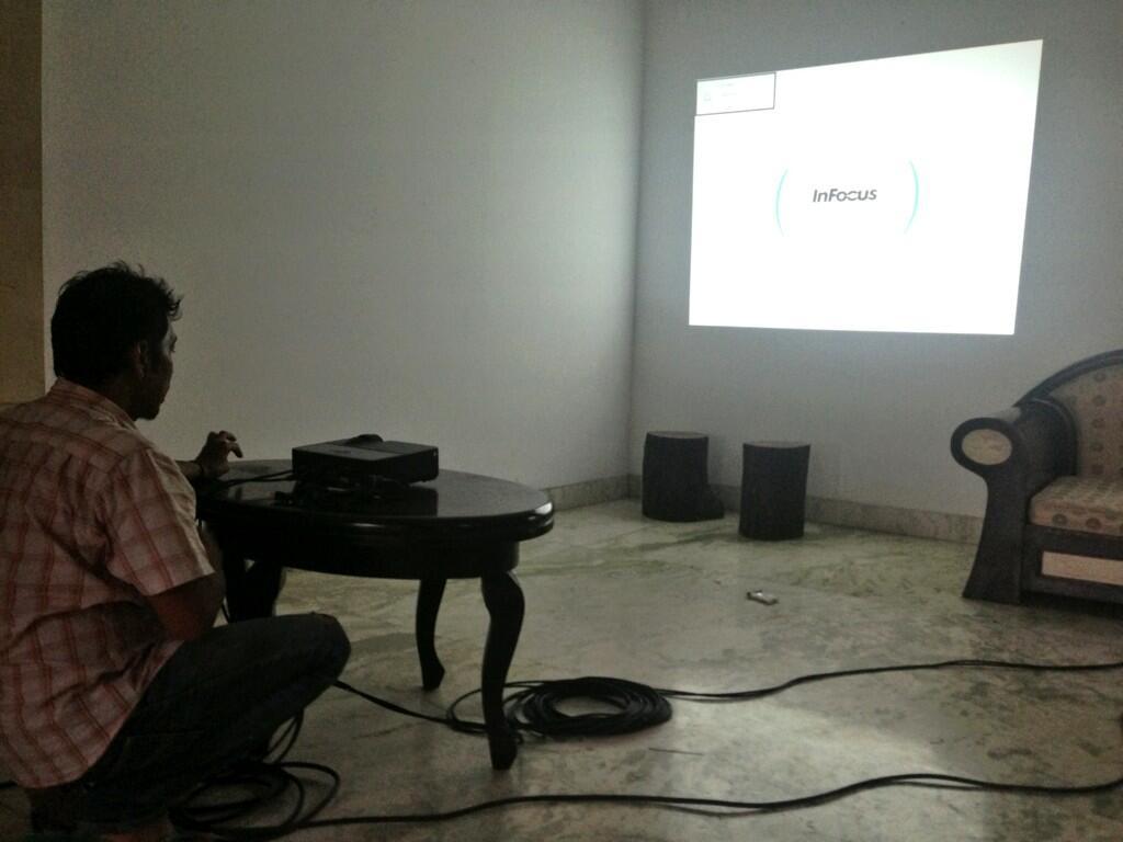 Persiapan ntn brng perdana 'AKU BUKAN ANAK HARAM' di indosiar @Cuttary11 @rendyseptino @LindaArieAndika http://t.co/tAdRwlVoOj