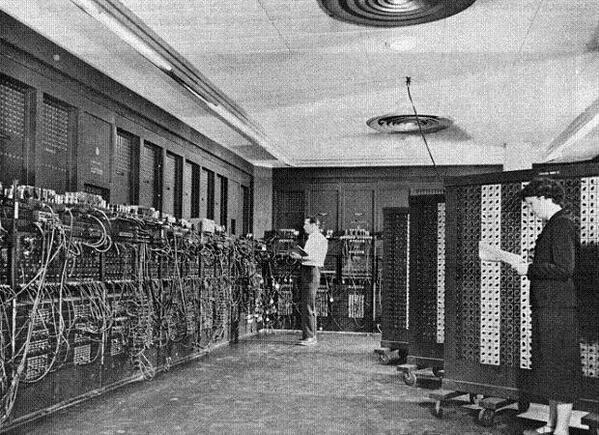 Primera computadora. La ENIAC. http://t.co/X2vO2DJOqj