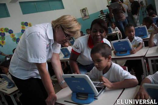 CanaimitasEnLaUNESCO Empresa q fabrica las canaimitas,q son venezolanos,a los niños,a los equipos educ.involucrados! http://t.co/4VMeEAhIGD