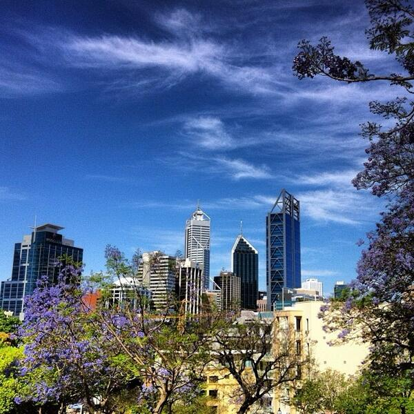 Beautiful #blue skies and whispy #clouds over the #Perth skyline. Great shot by @ronniek1! (via IG) http://t.co/EwXdQFN4qC
