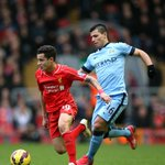 MATCH SHOT: Sergio Aguero tries to win back possession from Philippe Coutinho. #mcfc http://t.co/OFxdpzLeTz