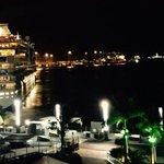 Las políticas turismo d @AyuntamientoLPA y @GranCanariaTur s resumen en una imagen,cruceros y + cruceros #ENHORABUENA http://t.co/tR3zDnk5hk