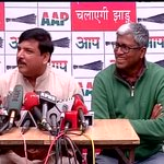 """Sanjay Singh says """"peedit mann"""" but Ashutosh finds some humour in it. AAP issues. http://t.co/gATZjoF6fD"""