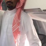 لحظة وصول القنصل السعودي عبدالله الخالدي لمطار الرياض بعد اختطافه باليمن لثلاث سنوات. #السعودية http://t.co/2bTzk5ubC2