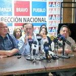 Hoy en rueda de prensa: La liberación de Antonio Ledezma @alcaldeledezma es un clamor mundial #LiberenALedezma http://t.co/fzJA23zgn8