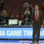 ICYMI: Craig Sager made his return to the court after an 11-month battle with cancer. http://t.co/iHEmUI49S0