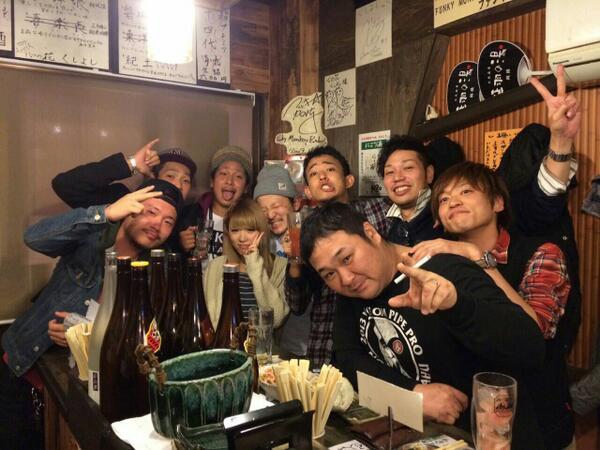 昨日はファンキー加藤さん率いる。加藤会関西支部でワッショイ♪大阪の乗り乗ってるアーティスト、ベリーグッドマンも知ってもらえて良かった(^-^) http://t.co/oXMHLbbEiK