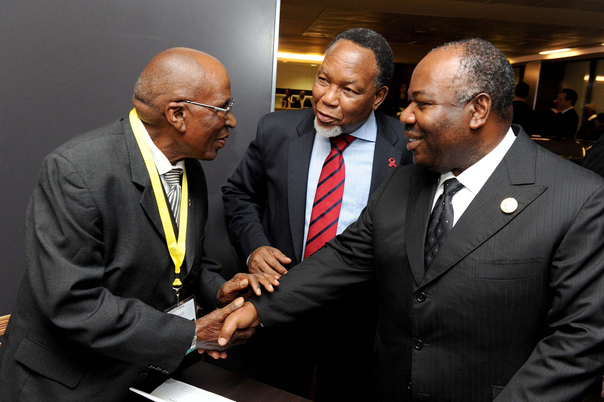 "RT @Dalla_Sbo: Wow ""@Moshoetsi: Isithwalandwe Tata Mlangeni and the Deputy President http://t.co/smPFWX36Y2"""