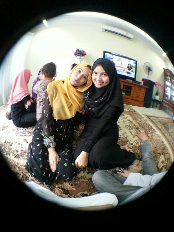 Thank you dtg kenduri td! Kiss kiss @Idlyna http://t.co/LZCExcd7ie