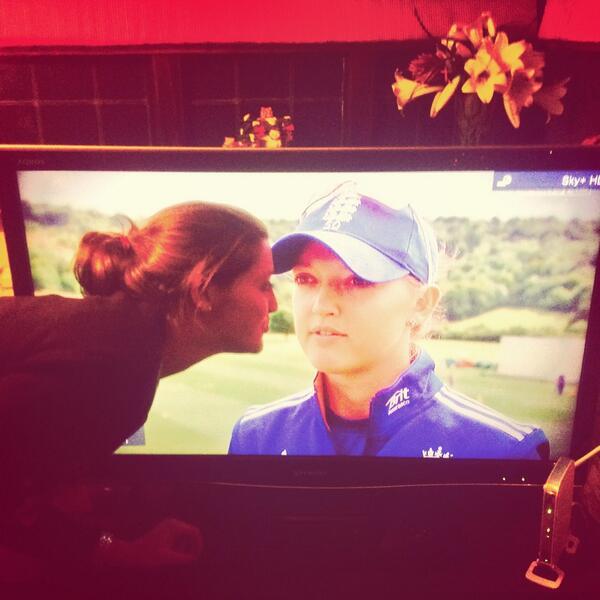 """@flipdotflop: @Sarah_Taylor30 kissing @Sarah_Taylor30 standard family xmas with cricket superstar! http://t.co/VbTHQCS295"" #dared #tipsy"