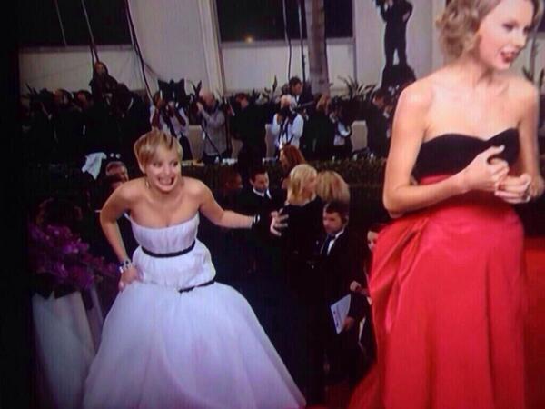 Jennifer Troll Lawrence http://t.co/SbB9SkQyxJ #TSnoGoldenGlobe