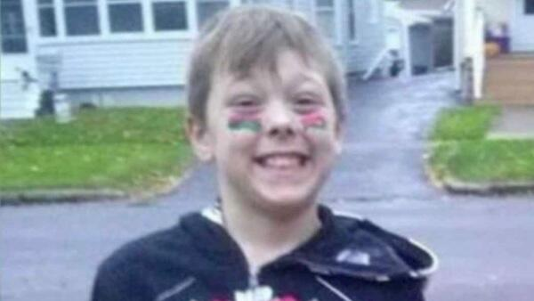 8-year-old boy dies trying to save disabled grandfather from fireSaves lives of 6 relatives