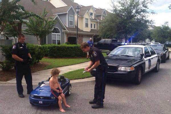 Finally we have an image of Bieber being arrested. http://t.co/c1L2c9b85S