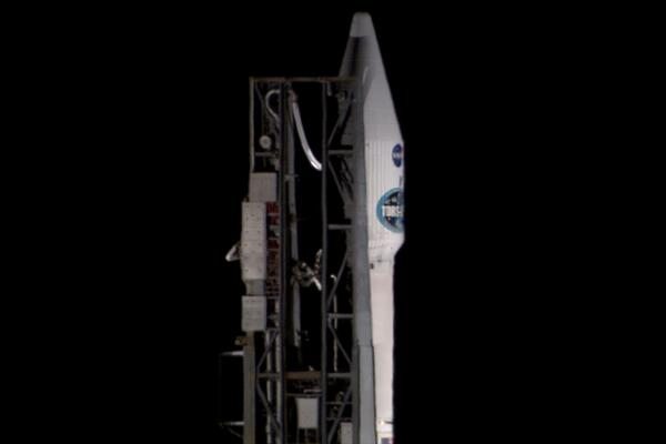 Up close photo of #AtlasV #TDRS-L at the launch pad tonight http://t.co/mKHBLpxR2a
