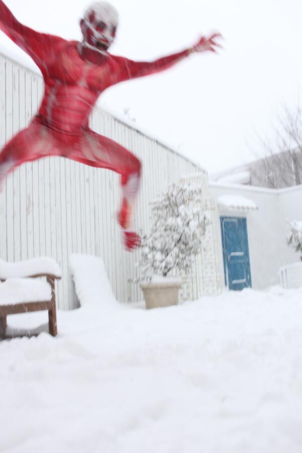 雪でテンション上がりまくった馬鹿の画像をご覧下さい(^ω^)つ http://t.co/35oxhMfDQk