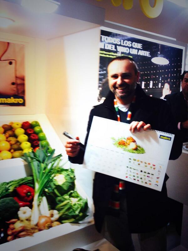 Hoy @rdelacalle estará en el stand de @makroESP firmando calendarios #MFM14 @madridfusion http://t.co/eb1O8uqAxn
