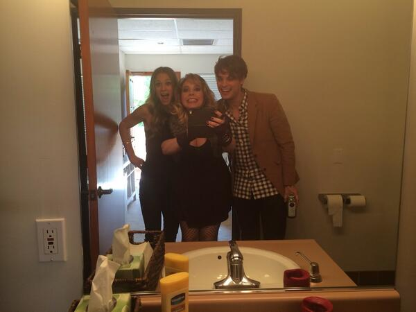 The @TheTalk_CBS bathroom with @ajcookofficial @GUBLERNATION http://t.co/n4muxb3CMT