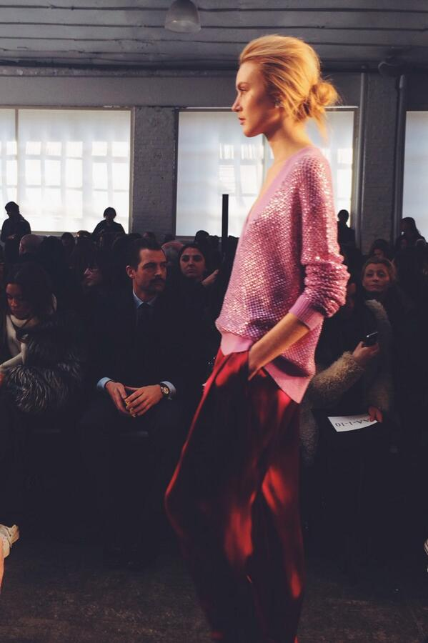 Gorgeous color combination and relaxed silhouette at @JennyPackham #NYFW #NMatNYFW http://t.co/RiOocn5sGf