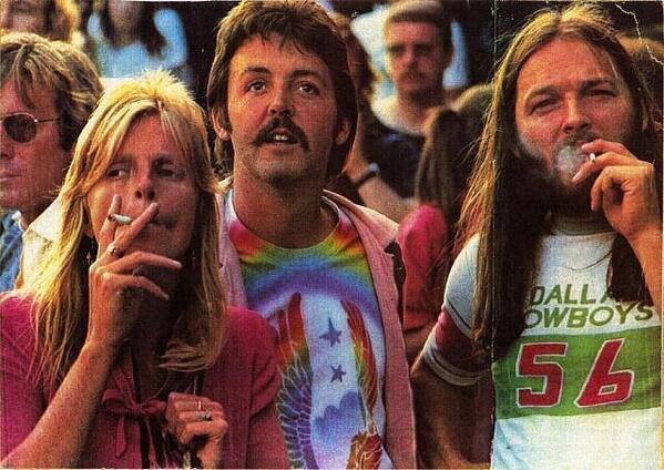 Linda McCartney, Paul McCartney and Pink Floyd's David Gilmour at a Led Zeppelin concert, in the 70's. http://t.co/NjuRx9sPaI