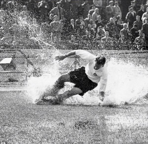 Tonight we have lost a footballing Legend. A true gent and a loyal servant to his beloved PNE. RIP Sir Tom Finney http://t.co/xT65RovtL8