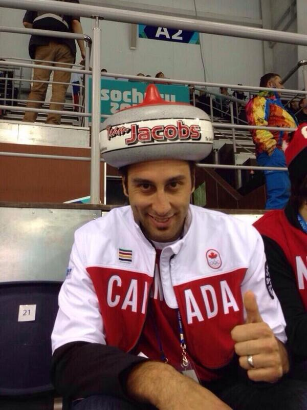 Have we talked about this picture of Luongo yet? <333 http://t.co/yXoJFqHt4u