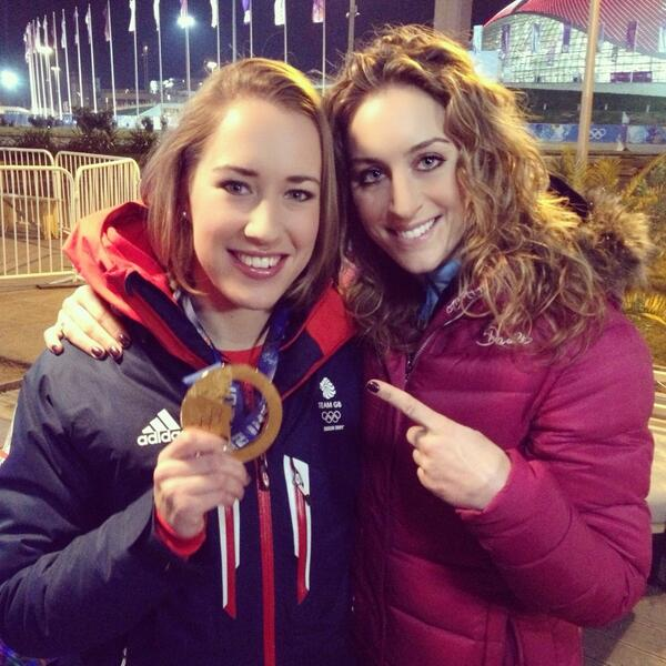 Crazy past few days & nights. A@very special moment to share with @TheYarnold & see her medal. http://t.co/TngUM6QowU